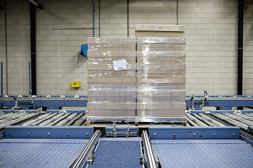 Material Handling Palletizers and Stackers